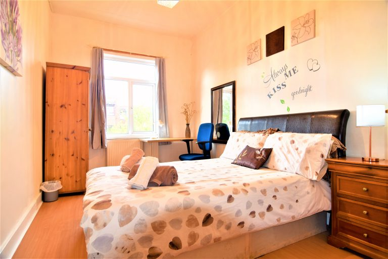 private-apartment-manus-place