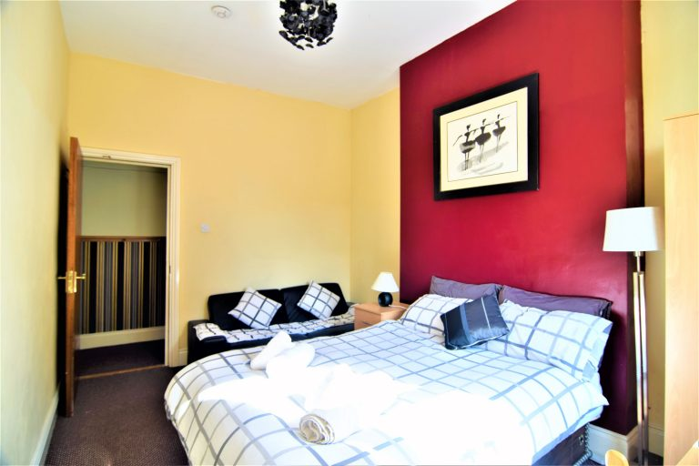 triple-room-manus-place